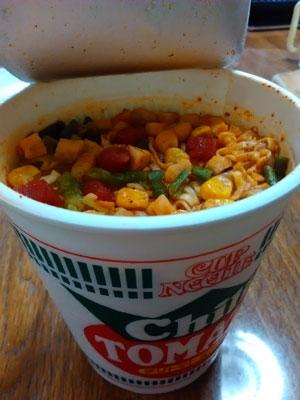 カップ麺トマト